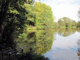 Lonsdale Park Coarse Fishing Lakes